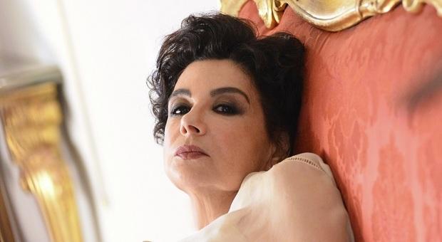 Licia Maglietta nei panni di Emma Carelli nel film La prima donna, il 14 al Teatro Costanzi