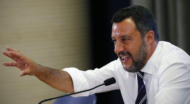 Salvini: «La zingara? Presto le ruspe nel campo rom»