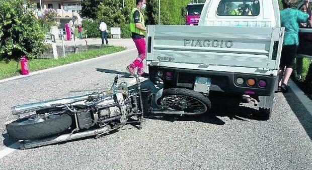 Investe e ammazza un motociclista: preso a Brescia il camionista pirata