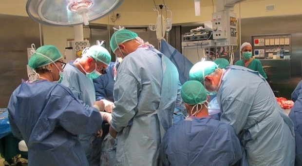Tumore asportato con un robot: a Padova la prima operazione di chirurgia mininvasiva