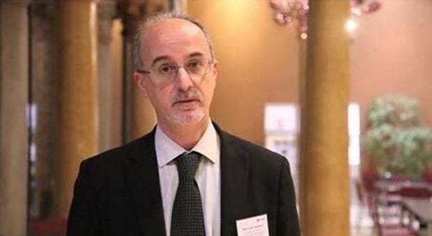 Coronavirus, l'epidemiologo Lopalco: «Prima di Pasqua non si esce di casa»
