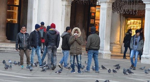 Abusivi a San Marco