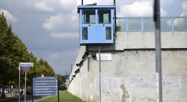 Rebibbia, la detenuta che ha gettato figli dalle scale: «Ora sono liberi»