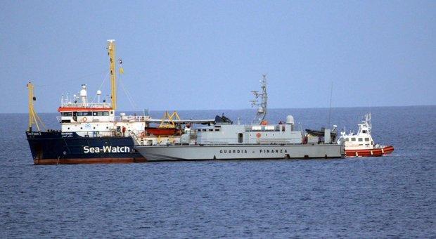 Sea Watch, indagato il comandante