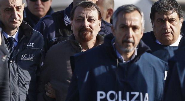 Battisti, prima visita del difensore in carcere a Oristano