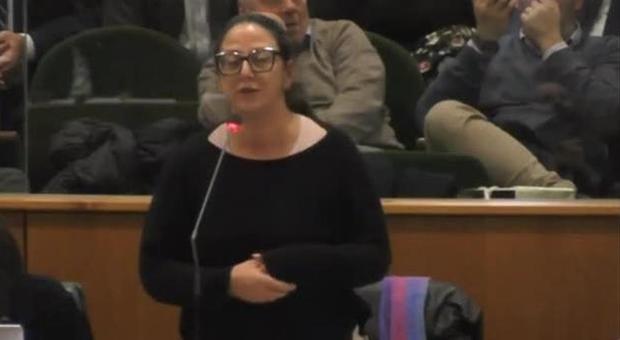 Virginia Raggi, gaffe della consigliera grillina: «La sindaca di Roma quinta carica dello Stato»