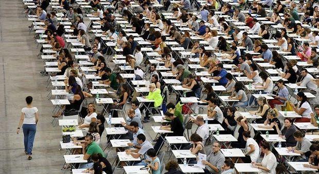 Un maxi-concorso per i prof di religione, poi 12 mila maestri