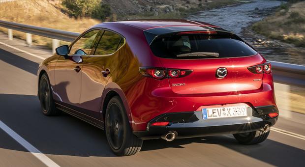 La Mazda 3 dotata della tecnologia Skyactiv