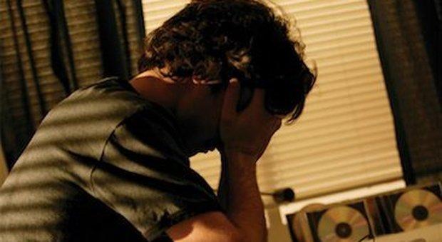 Allarme dei pediatri: sei adolescenti su dieci soffrono di mal di testa. Soprattutto a scuola