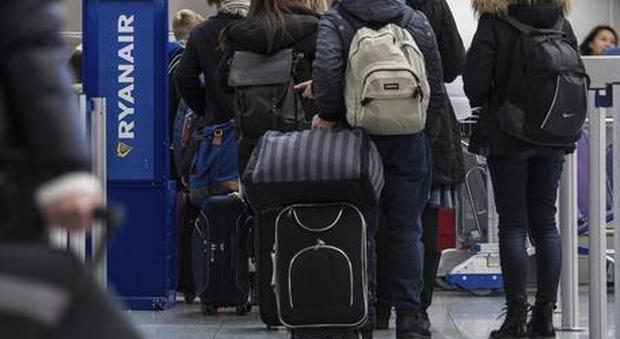 Bagagli in volo, trolley e zainetti appesantiscono i prezzi: ecco come orientarsi