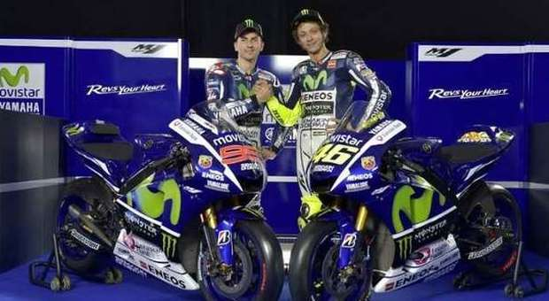 La nuova Yamaha M1 con Rossi e Lorenzo
