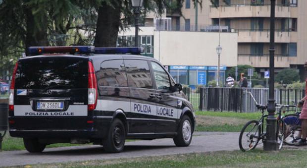 Controlli della polizia locale a Campo Marzo