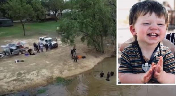 Bimbo si allontana dai genitori, corpo ritrovato 3 giorni dopo in acque infestate dai coccodrilli