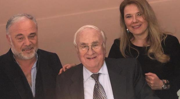 Oscar Puato, 84 anni, con i figli Aurelio, vicesindaco di Este, e Claudia