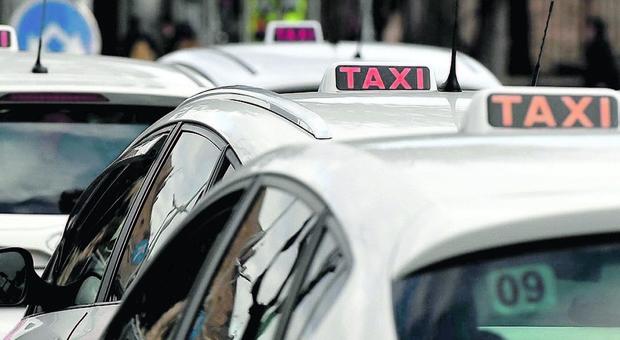 Auto più grandi e bancomat: arriva la rivoluzione dei taxi