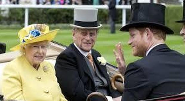 Royal Family, così Filippo bocciò Meghan Markle: «Le attrici si frequentano, non si sposano»