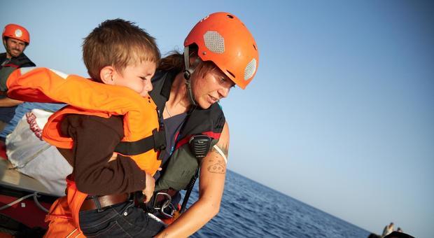 La nave Alan Kurdi con 40 migranti davanti a sud di Lampedusa: «Non torneremo in Libia» (foto di repertorio)