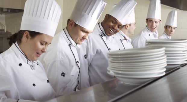 Arriva la laurea in Gastronomia, ma Vissani è contrario: «La cucina? Bisogna insegnarla a scuola»