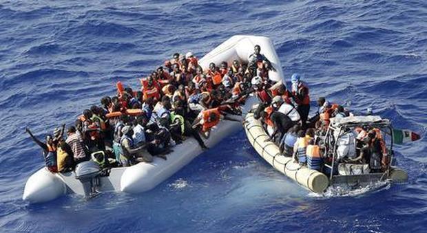 Migranti, Salvini: «Due gommoni con 100 a bordo: non cedere a ricatti scafisti e Ong»