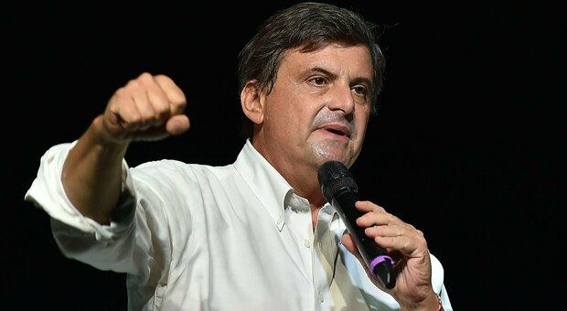 Calenda sfida il Pd: «La mia candidatura va avanti». Ira dem: «Lui divide e la destra brinda»
