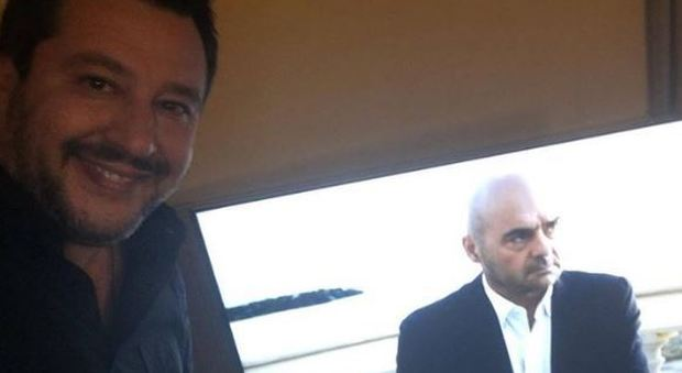 Salvini guarda Montalbano in tv