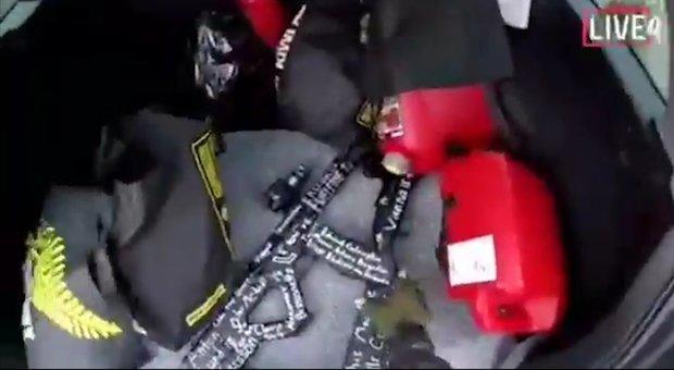 Nuova Zelanda, le immagini della strage in livestream su Facebook come in un videogame