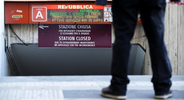 Metro, beffa scale mobili: la ditta sotto inchiesta chiede 2 milioni di danni