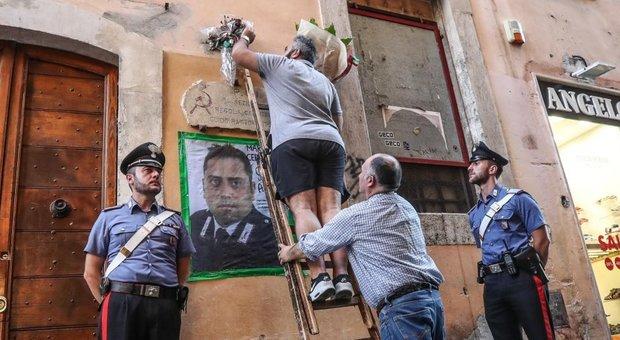 Carabiniere ucciso, l'autopsia: Cerciello colpito a entrambi i fianchi. Pm sequestrano tabulati di militari e indagati