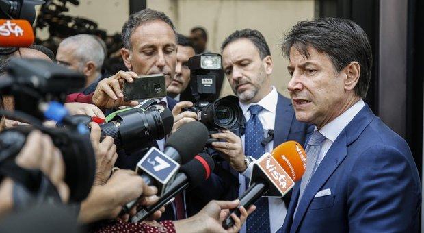 Conte difende la manovra, ma è scontro su tasse e auto: Gualtieri: «Salve le ecologiche»