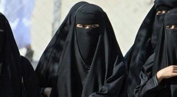 Dal primo agosto burqa proibito in Olanda