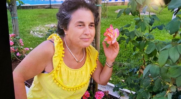 Impiegata trovata morta in Municipio nel Bergamasco: ipotesi omicidio, disposta l'autopsia
