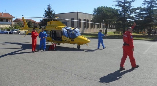 Ragazza di 21 anni in coma dopo un intervento al naso: arresto cardiaco in sala operatoria