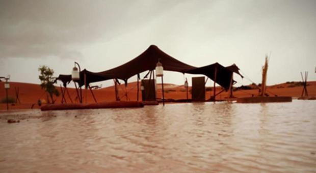 Marocco, meteo impazzito: 18 morti e città distrutte. Grandinata anche sul deserto