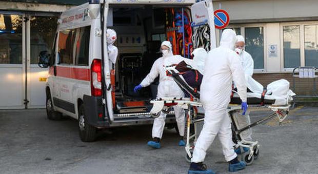 Coronavirus, i ricoveri la vera emergenza: +23% al giorno, pochi posti letto