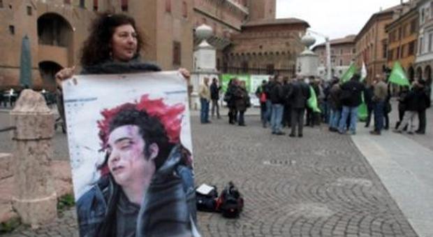 Aldrovandi, la madre: «Il taser? Federico ucciso per le botte»