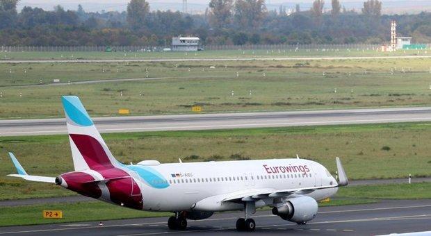 Turbolenze sul volo Lamezia Terme-Berlino: otto feriti, grave una donna