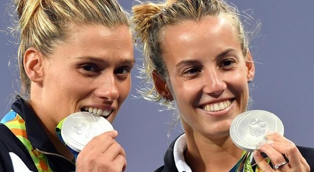Francesca Dallapé, a sinistra, con Tania Cagnotto: super coppia azzurra dei tuffi