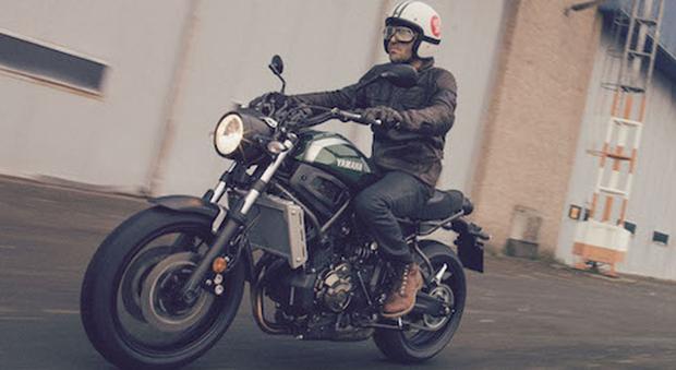 la XSR 700 è la nuova media di casa Yamaha, bella e divertente anche il prezzo è davvero interessante, 7.590 euro