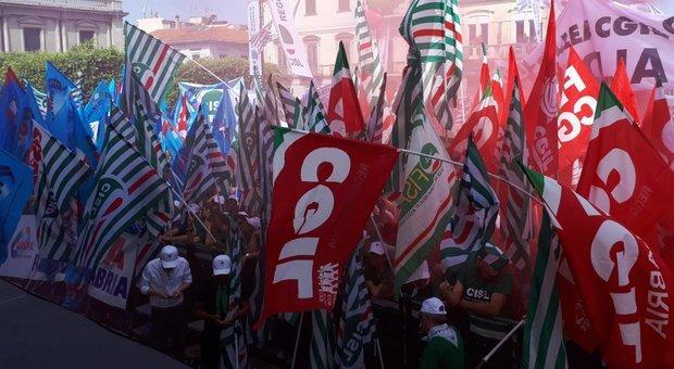 Sindacati, a Reggio Calabria 25 mila manifestanti da tutta Italia