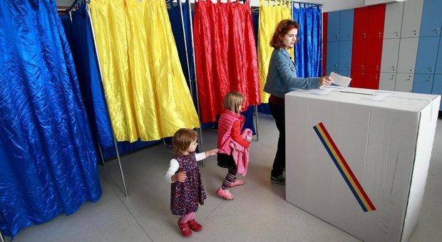 Romania, fallisce il referendum che voleva vietare le nozze gay