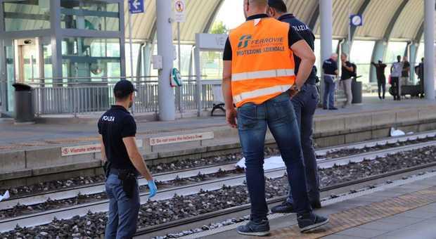Tragedia alla stazione dell'ospedale a Mestre: 19enne travolto e ucciso dal treno