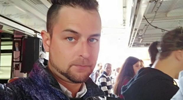 Incidente mortale a Monselice. Diego Cade dallo scooter, illeso: poi un'auto lo uccide
