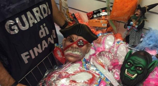 Carnevale, sequestrati 5 milioni di articoli tra maschere, addobbi e trucchi non sicuri