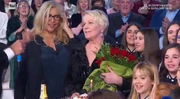 Katia Ricciarelli da Mara Venier a Domenica In: «Il bacio di Pippo Baudo a Luciana Littizzetto fuori luogo»