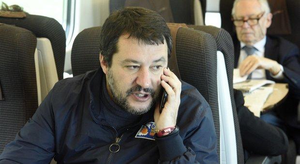 Salvini in estasi per il trionfo di Johnson: «Sondaggi davano il Labour in recupero, vi ricorda qualcosa?»