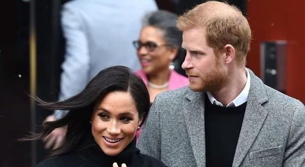 «Il figlio di Harry e Meghan Markle potrebbe essere già nato di nascosto»: ecco perché