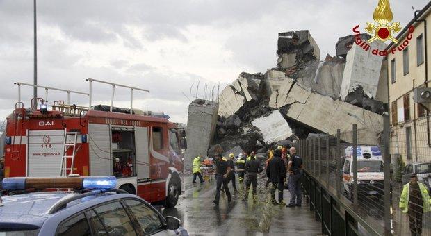 Genova, la storia travagliata del Morandi. Gli ingegneri: «Ormai costa più mantenerlo che ricostruirlo»