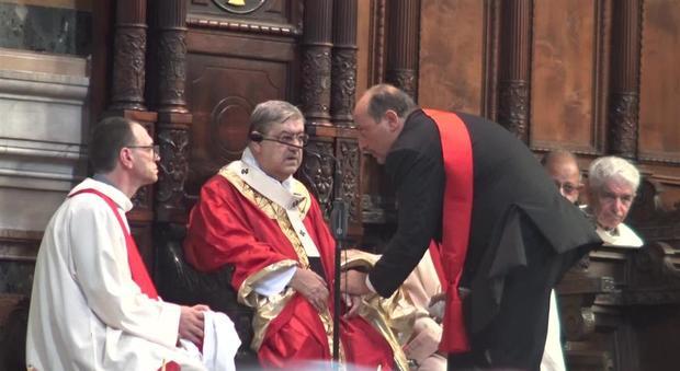 San Gennaro, malore per il cardinale Sepe durante la messa