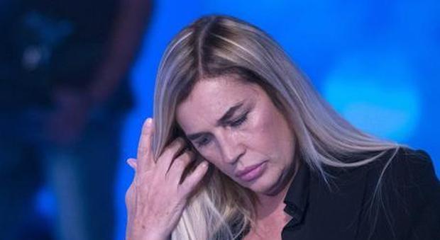 Lory Del Santo choc a Mattino 5: «Ho rischiato di morire, con me c'era Giancarlo Giannini»
