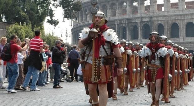 Natale di Roma, le rievocazioni del gruppo storico al Circo Massimo e ai Fori Imperiali